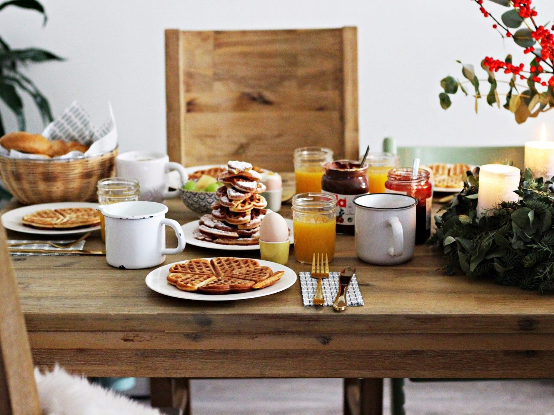 food christmastree waffles weihnachtsfr hst ck mit haselnuss eierlik r waffeln starlights. Black Bedroom Furniture Sets. Home Design Ideas