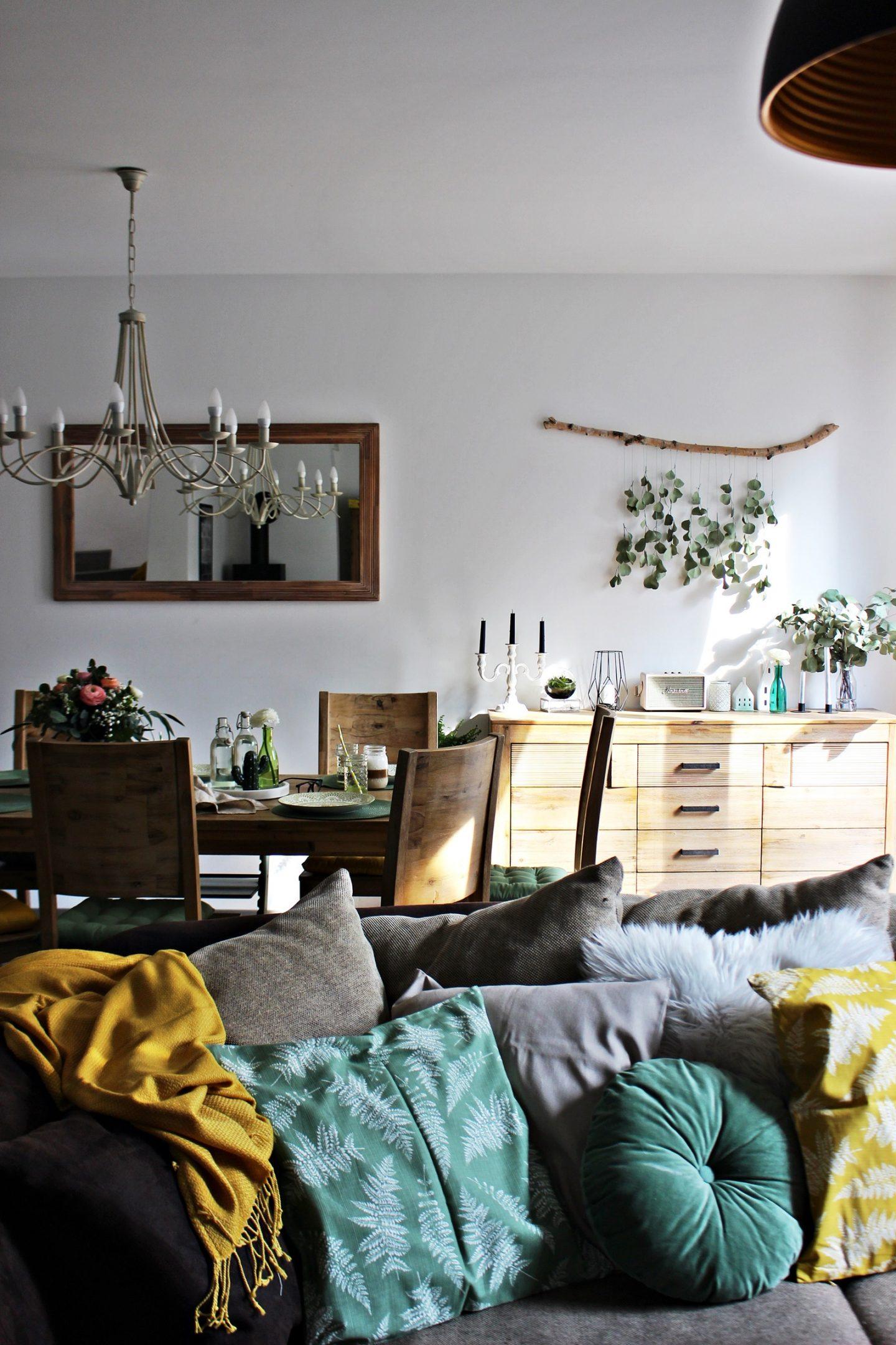 LIVING  Frühling im Wohnraum: Sonniges Gelb und sattes Grün im