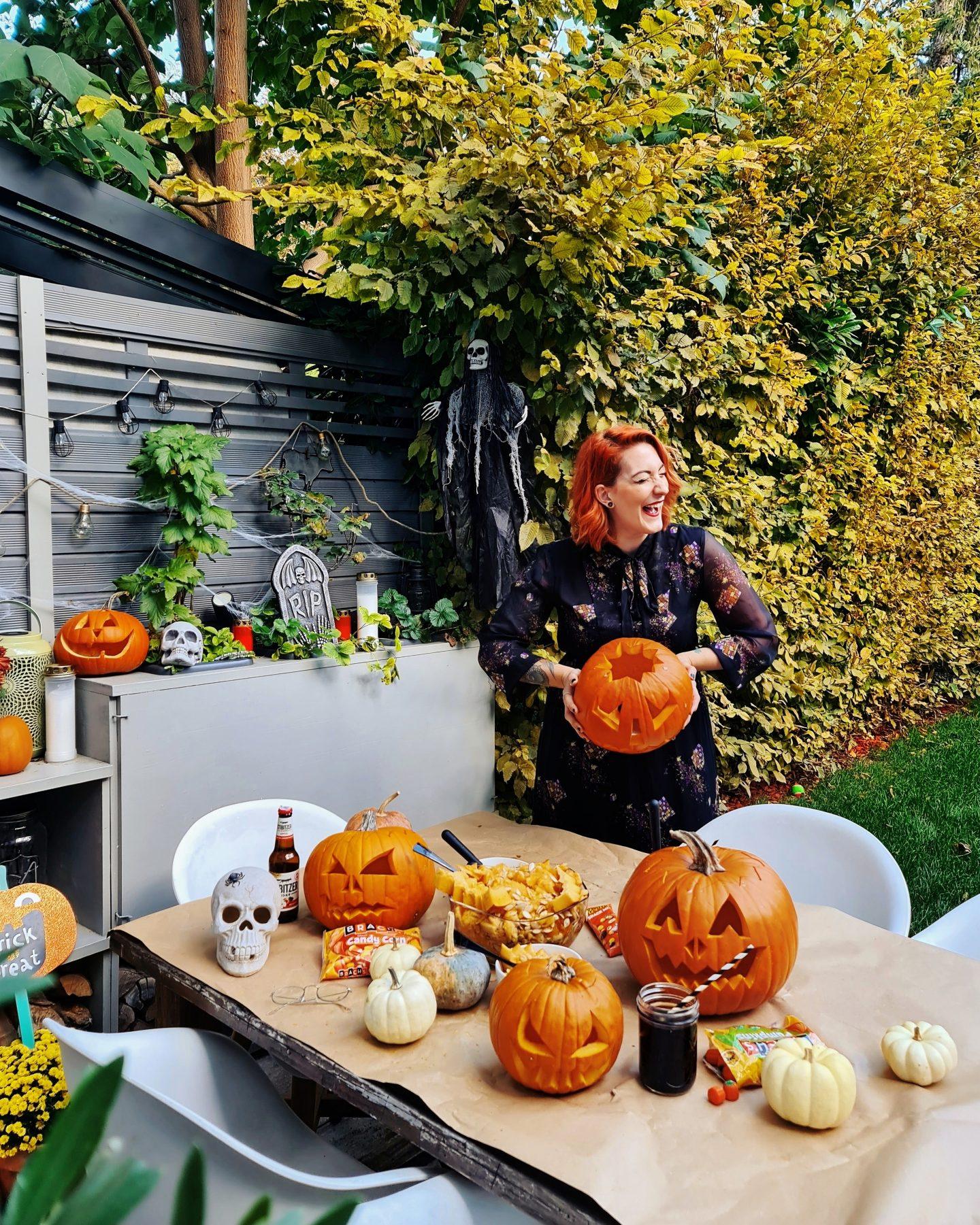 Inspiration Spooky Doobi Boo Pumpkin Carving Und Halloween Deko Im Garten New Vlog Starlights In The Kitchen